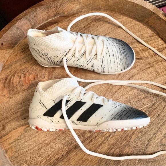 Kids Adidas Nemesis Soccer Shoes ⚽️ NWOT